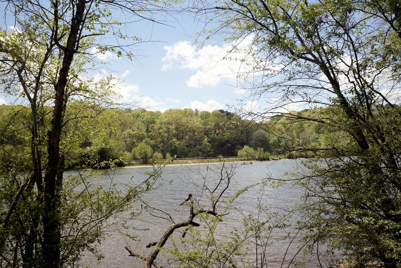 Home sites on the Chattahoochee River